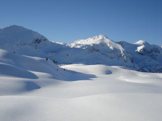 Schnee und Sonne wohin das Auge reicht